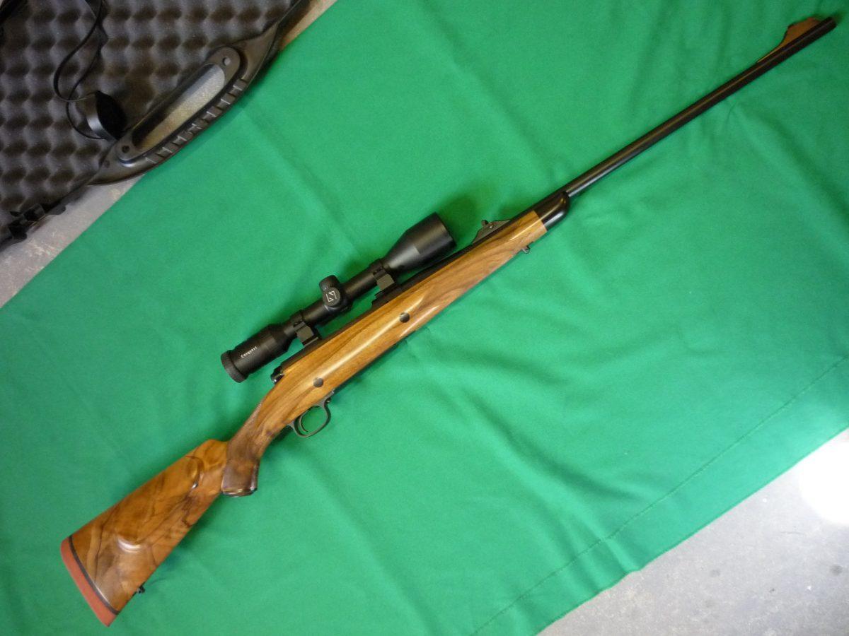 Dakota 76LH custom rifle
